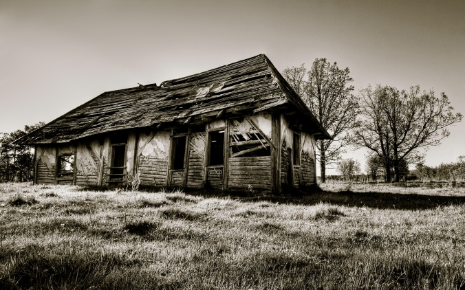 Broken-old-house.jpg